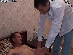 Old gay gives blowjob in bedroom